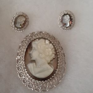 Jewelry - Sterling MOP n Abalone Cameo